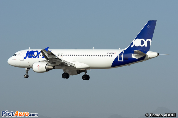 Airbus A320-214 (Joon)