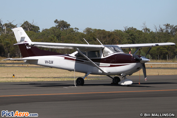 Cessna 182T Skylane (Dunn Aviation)