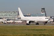Airbus A330-202 (CS-TQP)
