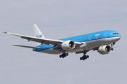 Boeing 777-206/ER (PH-BQN)