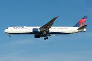 Boeing 767-432/ER (N840MH)