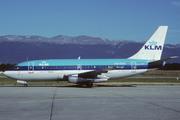Boeing 737-2K2 (PH-TVR)