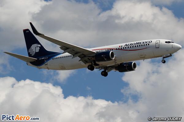 Boeing 737-852/WL (Aeroméxico)