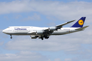 Boeing 747-830 (D-ABYD)