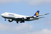 Boeing 747-830 (D-ABYN)