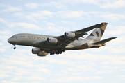 Airbus A380-861 (A6-API)