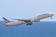 Boeing 777-328/ER - F-GZNO