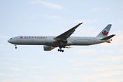 Boeing 777-333/ER (C-FNNW)