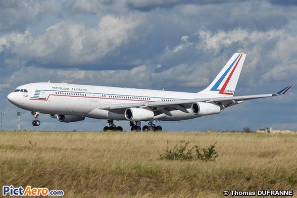 Airbus A340-212 (France - Air Force)