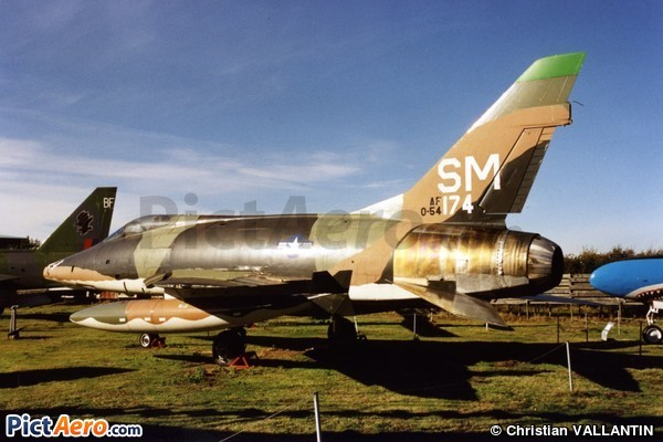 North American F-100D-16-NA Super Sabre (Midland Air Museum Coventry)