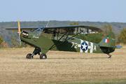 Piper J-3C-65 Cub (F-GLRV)