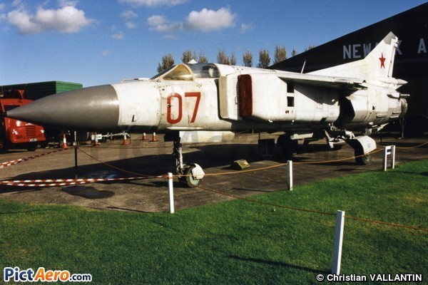 Mikoyan-Gurevich MiG-23 ML Flogger (Newark Air Museum)