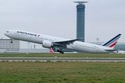 Boeing 777-328/ER (F-GSQB)
