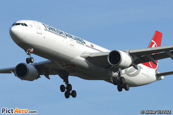 Airbus A330-303 (Turkish Airlines)