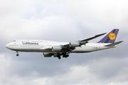 Boeing 747-830 (D-ABYR)