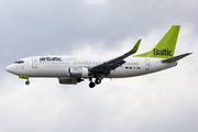 Boeing 737-33V (YL-BBL)