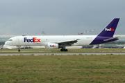 Boeing 757-27B/SF (N916FD)