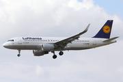 Airbus A320-214/WL (D-AIUM)
