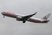 Boeing 767-323/ER (N381AN)