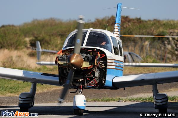 Piper PA-28-181 Archer II (Privé)