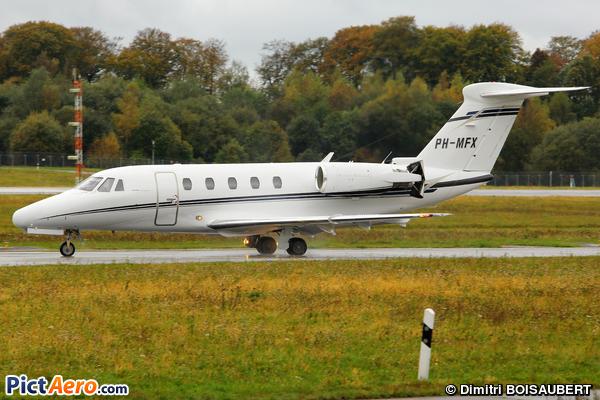 Cessna 650 Citation VI (Solid Air)