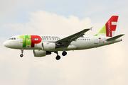 Airbus A319-111 (CS-TTM)