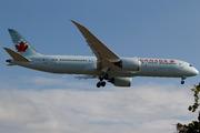 Boeing 787-9 Dreamliner (C-FRSA)