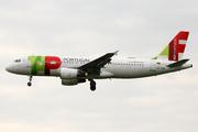 Airbus A320-214 (CS-TQD)