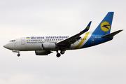 Boeing 737-5Y0 (UR-GAW)