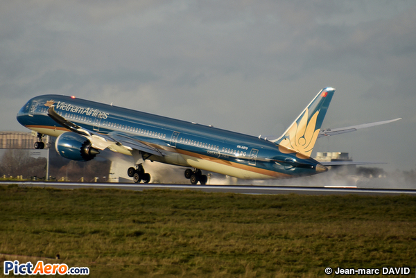 Boeing 787-10 Dreamliner (Vietnam Airlines)