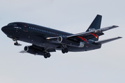 Boeing 737-2T4/Adv (C-FYPN)