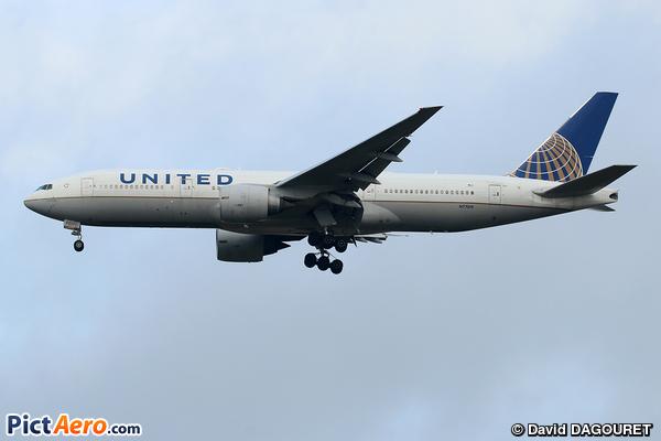 Boeing 777-224/ER (United Airlines)