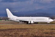 Boeing 737-446