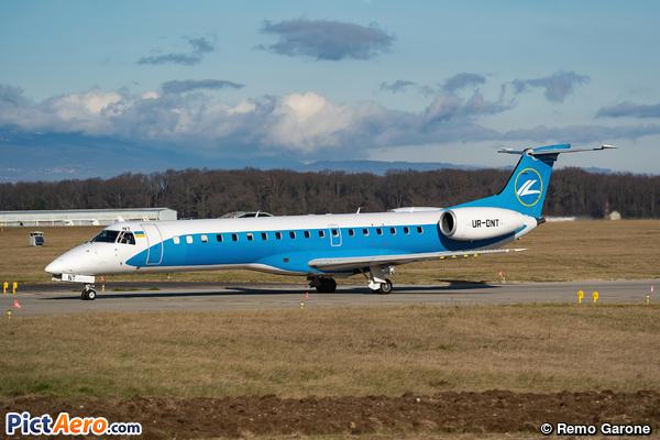 Embraer ERJ-145LR (WindRose Aviation)