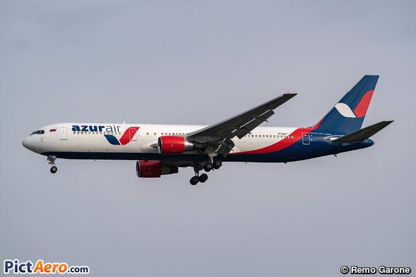 Boeing 767-3YO/ER (Azur Air)