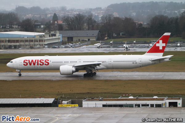Boeing 777-3DE/ER (Swiss International Air Lines)