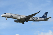 Embraer ERJ-190-100STD 190STD  (PH-EZX)