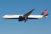 Boeing 767-432/ER (N831MH)
