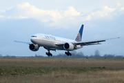 Boeing 777-224/ER (N78008)