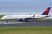 Boeing 757-251 (N538US)
