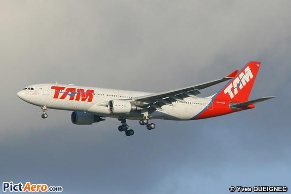 Airbus A330-203 (TAM Linhas Aéreas)