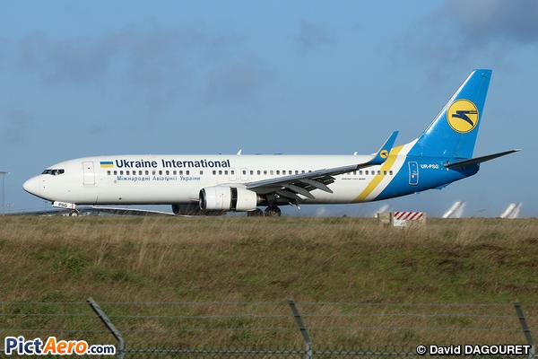 Boeing 737-85R/WL (Ukraine International Airlines)