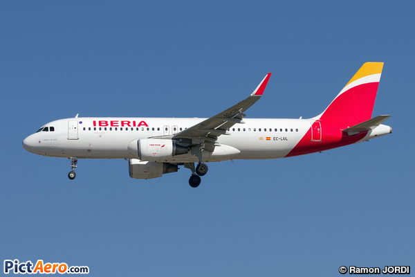 Airbus A320-216/WL (Iberia)