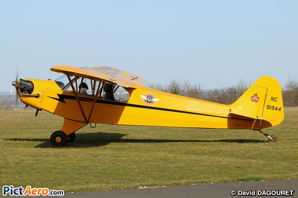 Piper J-3C-65 Cub (Private)