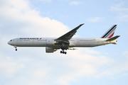 Boeing 777-328/ER (F-GZNA)