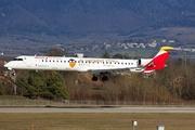 Canadair CL-600-2E25 Regional Jet CRJ-1000 (EC-MXA)