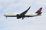 Boeing 767-332/ER (N177DN)
