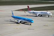 Embraer E195-E2 (ERJ-190-400 STD) (PH-NXB)