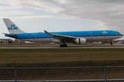 Airbus A330-303 (PH-AKD)