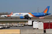 Airbus A320-214 (N235NV)